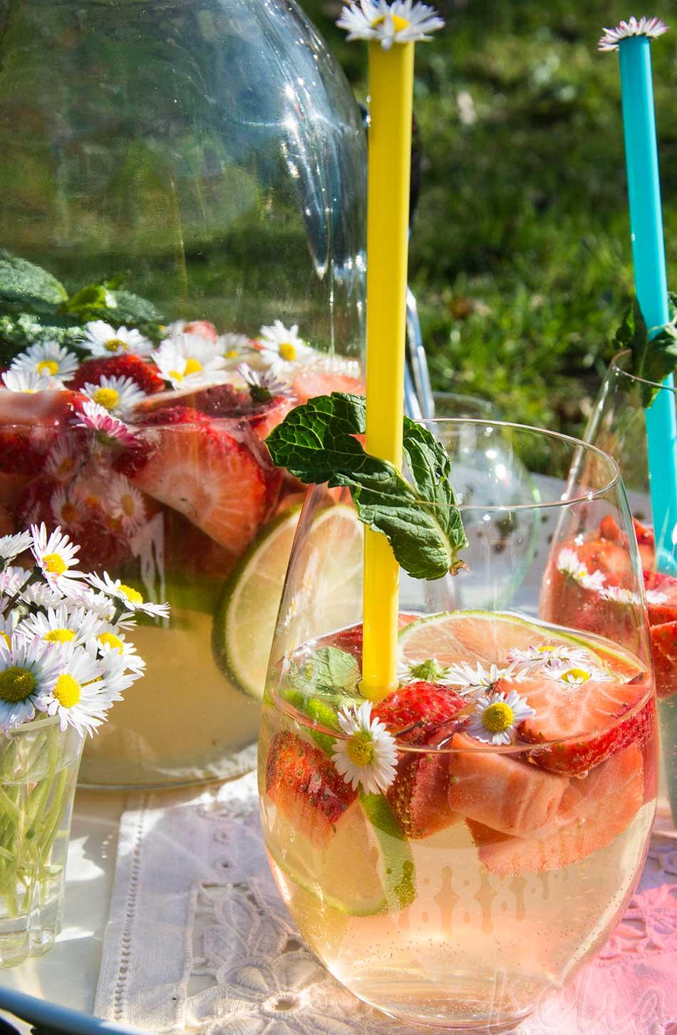 Erdbeerbowle 3 | Tatort Küche