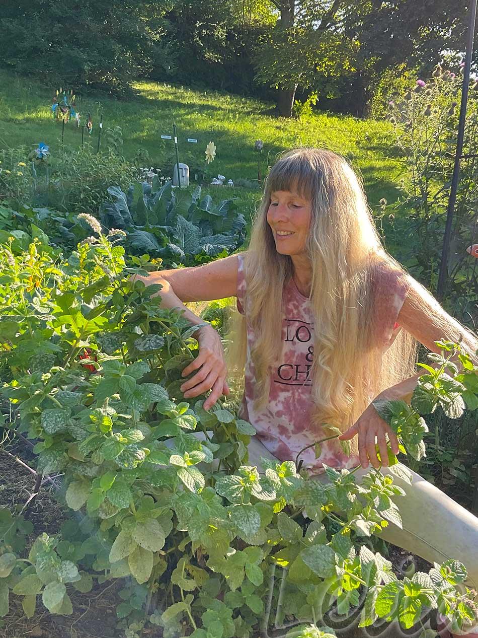 Im Garten 1 | Tatort Küche